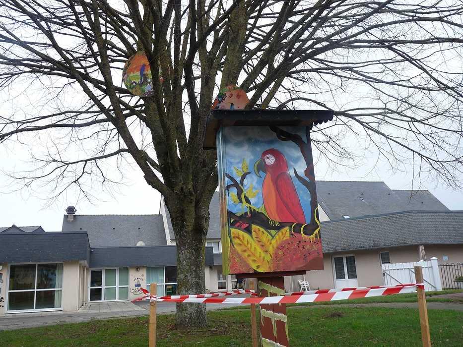 La commune se dote d''une boîte à livres p1140184